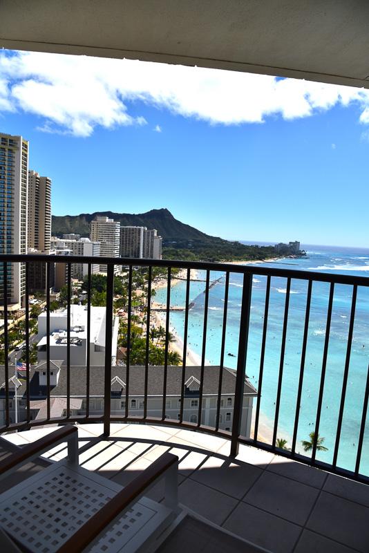 部屋からの眺め。ホテルを出ることなくずっと見ていたいほど