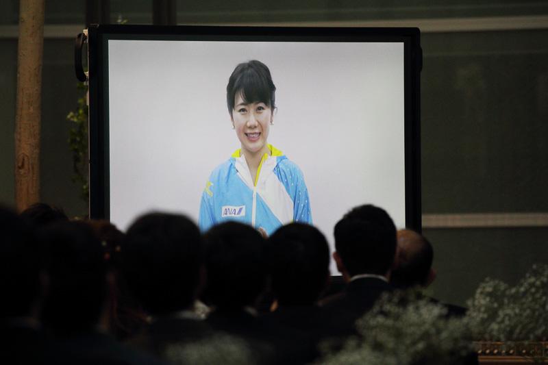 ANAから2人へのビデオレターは卓球の福原愛選手から。この演出には、集まったANAグループのスタッフもビックリ