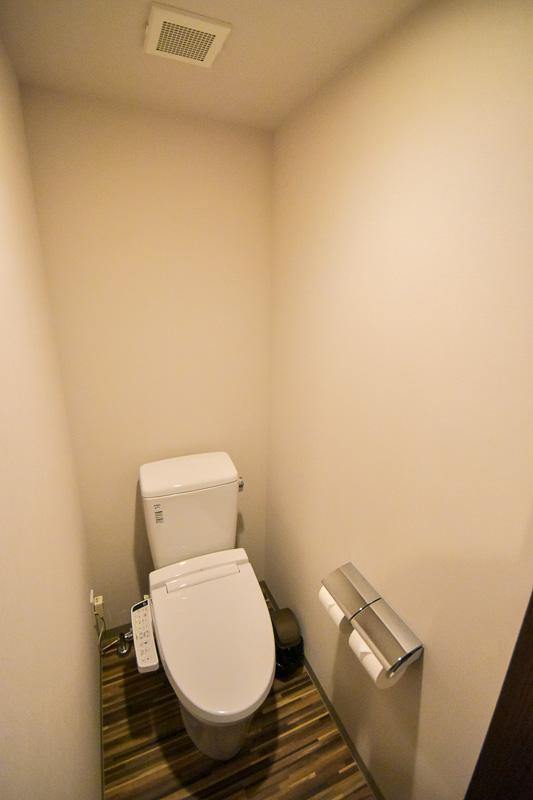 浴室と独立したトイレ