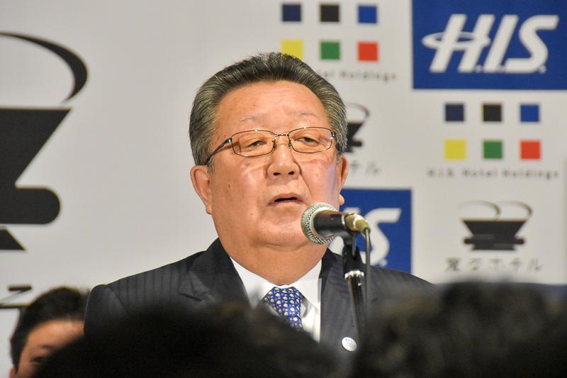 ホテルオープンを祝う浦安市 副市長の中村健氏