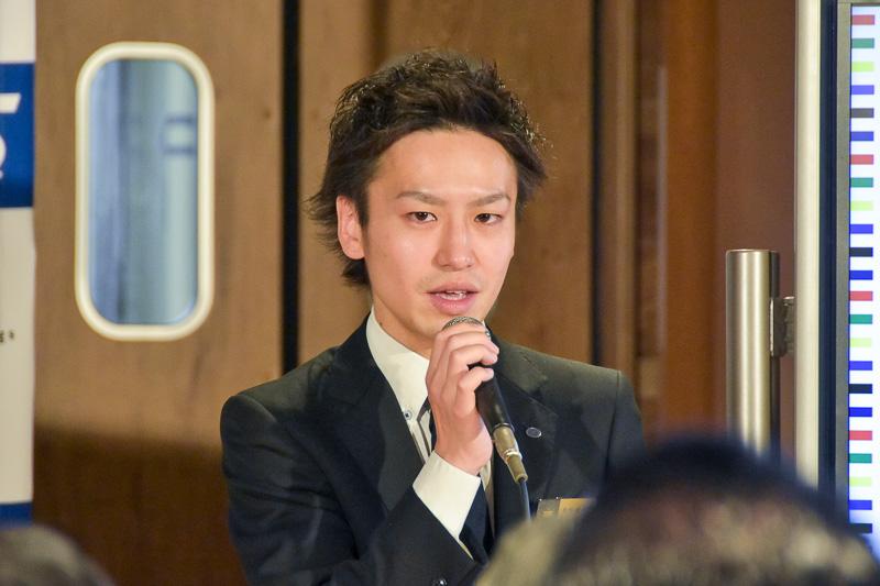 ホテル概要を説明する「変なホテル 舞浜 東京ベイ」マネージャーの長井超生氏
