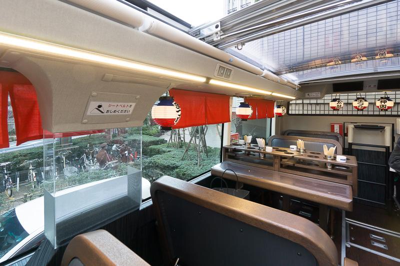 最後方の座席。後方には一部オープン時にも透明の屋根が残る