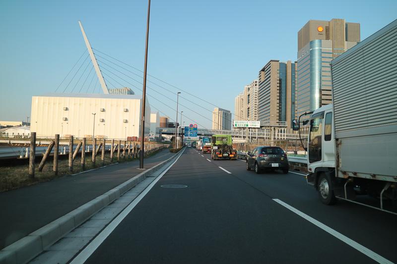 この右側が3月21日20時までの入口。すでに電光掲示板などは取り払われて移設を知らせる幕になった