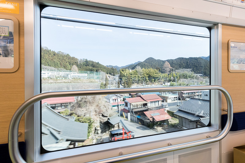 10号車のパートナーゾーンに設けられた窓は眺め抜群