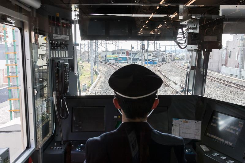飯能駅で方向転換。10号車が先頭になった
