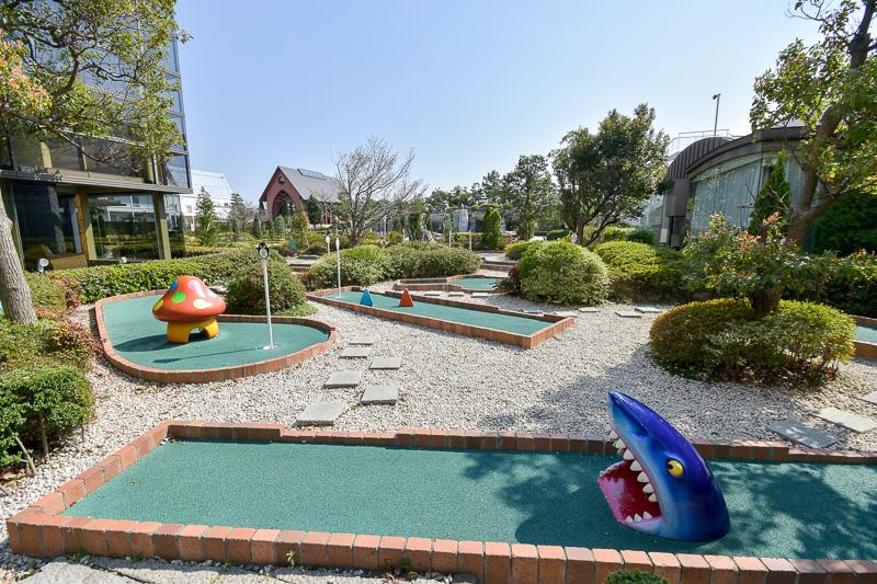 「ペントンゴルフ」は家族で楽しめるパターゴルフコース。利用料金600円