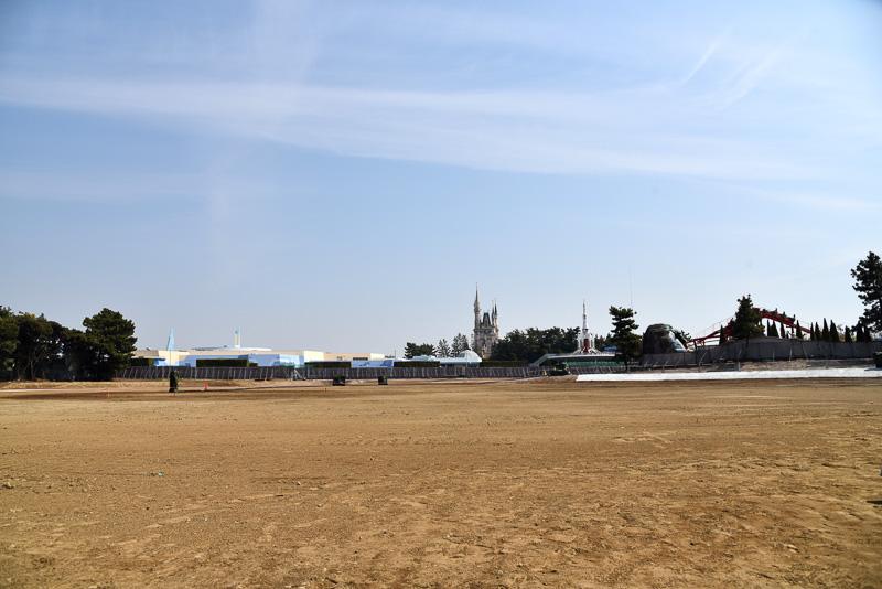 建設予定地の現在の様子。3年後にはまったく異なる風景に