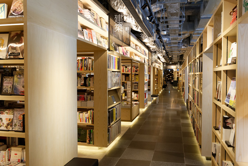 6階には蔦屋書店が入居する