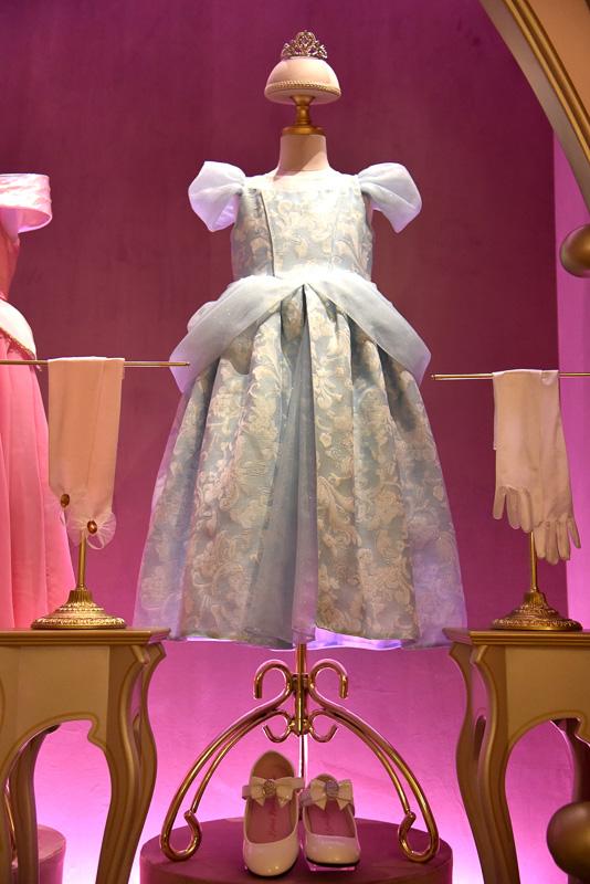 ディズニー映画「シンデレラ」の「シンデレラ」のドレス