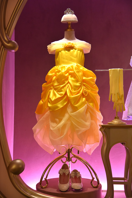 ディズニー映画「美女と野獣」の「ベル」のドレス