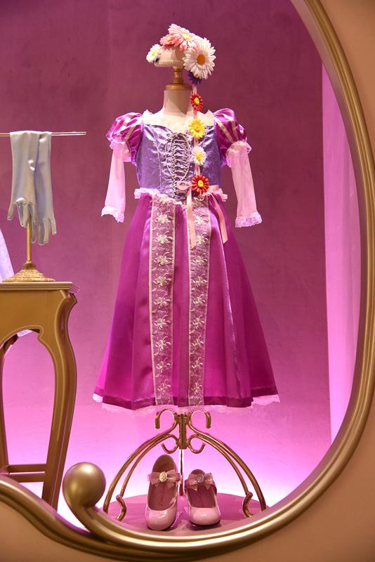 ディズニー映画「塔の上のラプンツェル」の「ラプンツェル」のドレス