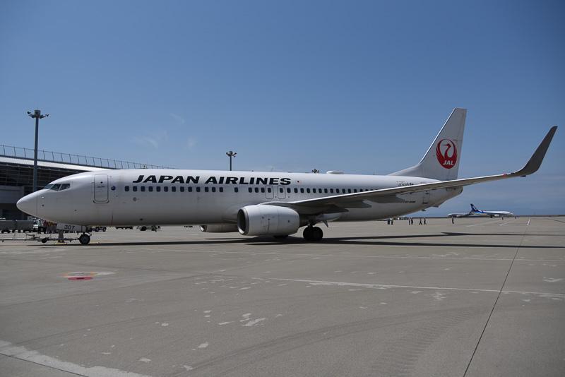 名古屋~札幌線就航30周年記念のセレモニー便となったJL3105便(ボーイング 737-800型機)
