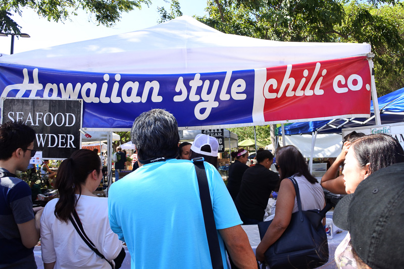 「Hawaiian Style Chili Company」はハワイならではの名物から定番の朝食メニューまで、好みのプレートが味わえる