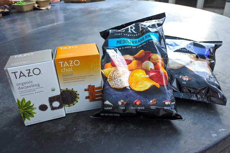 「TAZO」の紅茶2種と「TERRA」のチップス2種を購入した