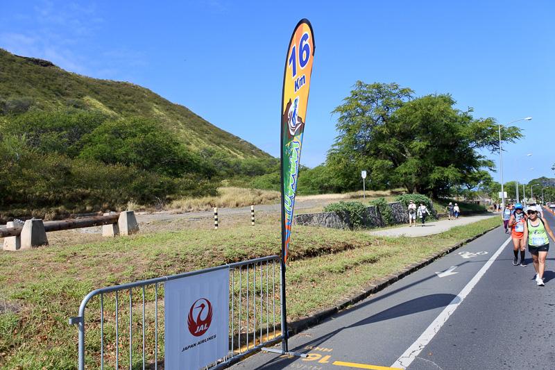 15km、16kmと上り坂との戦いを征しつつ、ダイヤモンドヘッドも観光
