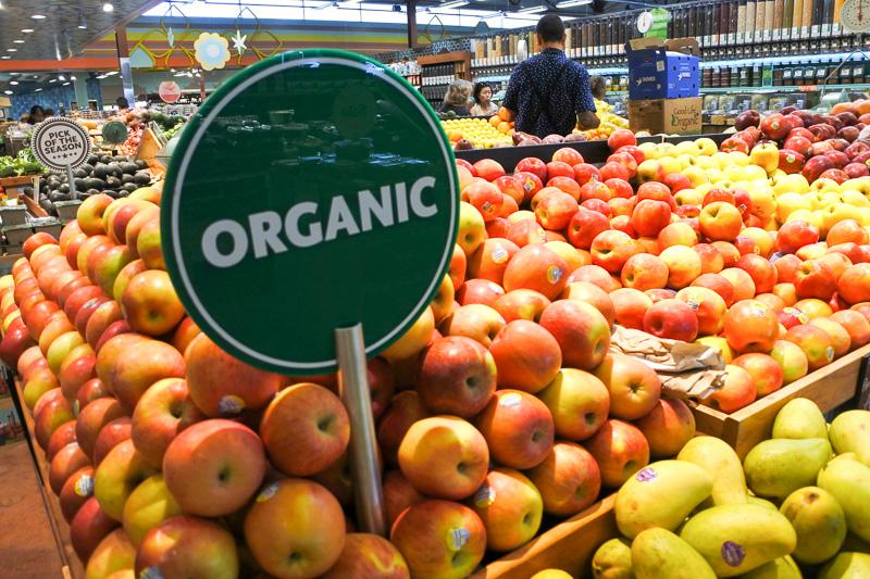 地元産の野菜もどっさり。コンドミニアムタイプや長期滞在の際に買いだめするのに最適