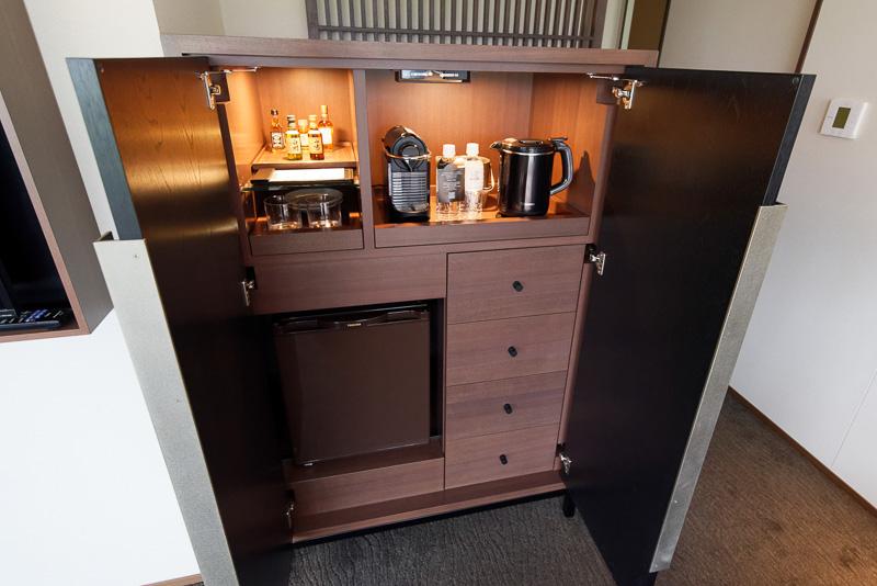 スイートルームの冷蔵庫などに収納されているドリンク類は無料