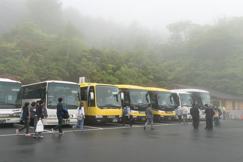 食事とご祈祷後、自由時間があり、バスで帰路に着いた