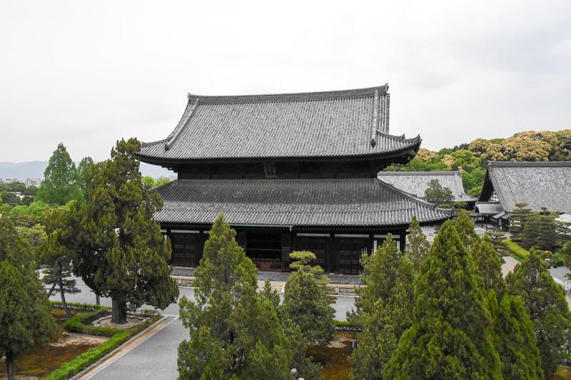 昭和に再建された本堂
