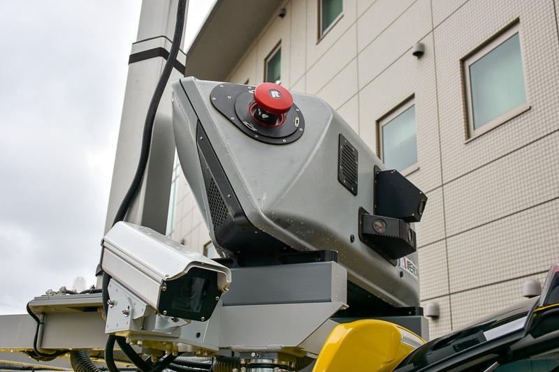 車体上部に設置されたレーザースキャナー