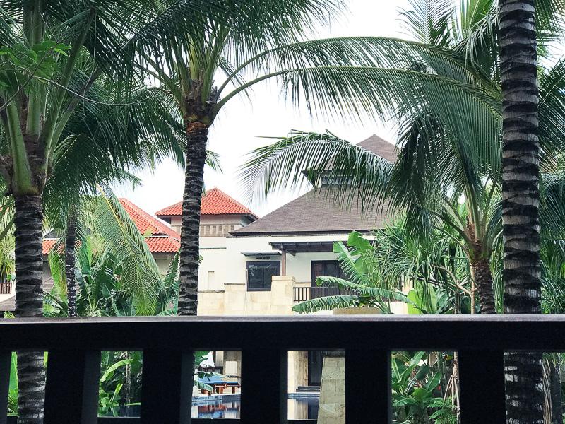 バルコニーのソファからの景色
