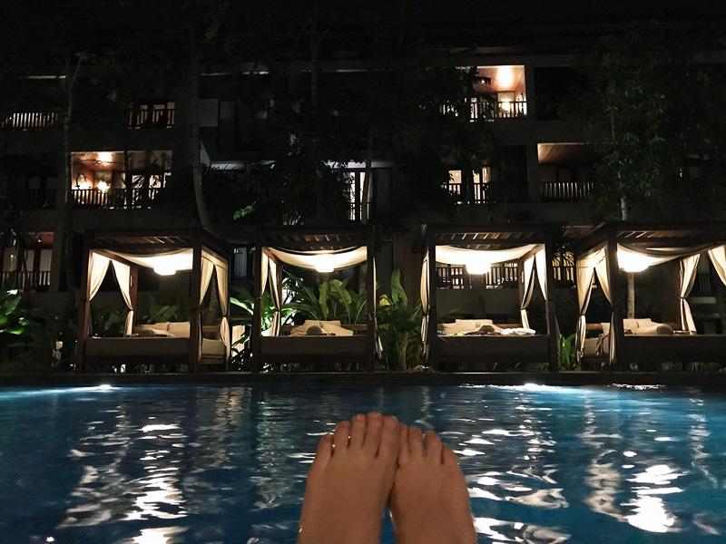 コンラッド・バリ滞在で一番の思い出はこの夜のプールでした