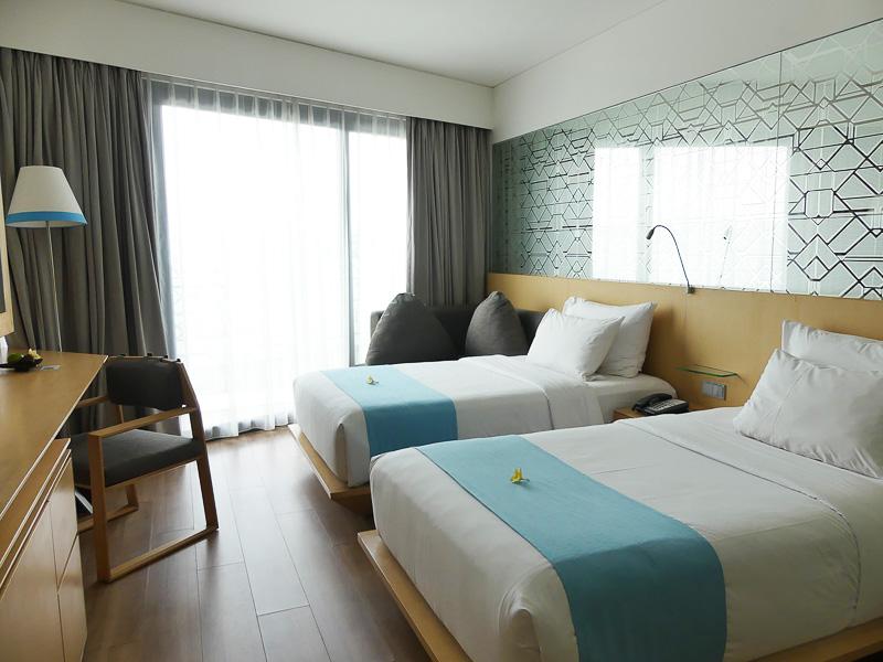 ブルーと白を基調とした爽やかなお部屋