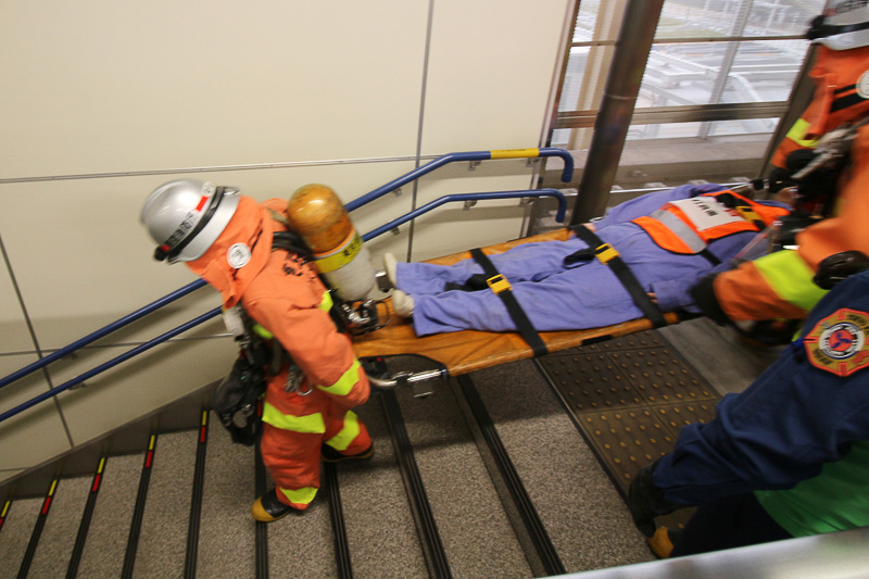 消防により救護を実施