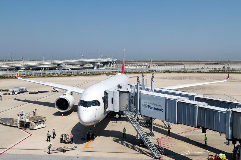 アシアナ航空が関空~仁川線にエアバス A350-900型機を導入。その日本発初便となるOZ111便