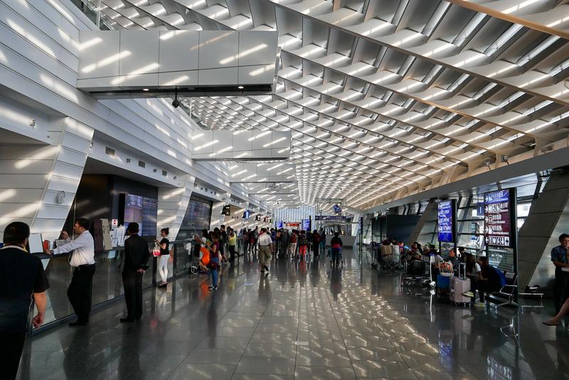 スクートが到着する桃園国際空港の第1ターミナル到着ロビー。ここから台北市内への移動には複数の手段がある。今回は2017年3月に開通したばかりの地下鉄(MRT)を利用することに