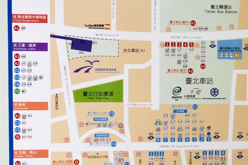 MRT桃園空港線の台北駅は、台湾鉄道 台北駅からやや離れた場所に位置している