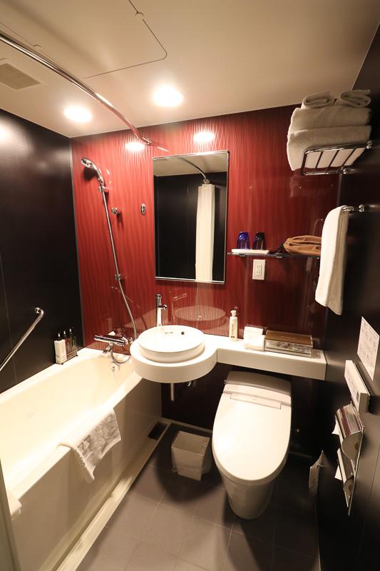 バス・トイレはユニットバス。大浴場もあるので利用する人が少ないのか、バスが非常にキレイ