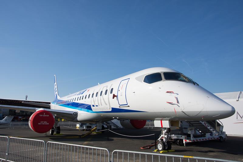 ローンチカスタマーのANA塗装を施した飛行試験機の3号機を展示