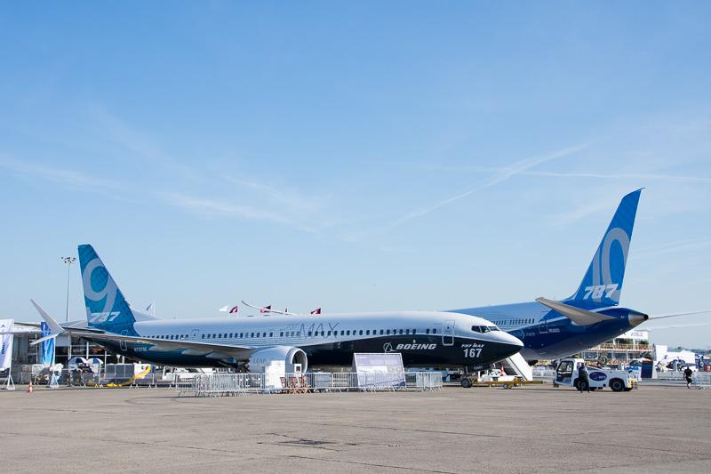 ボーイングは最新派生機のボーイング 787-10型機と737 MAX 9を展示。