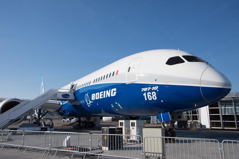 ボーイング 787-10型機。今回は地上展示のみ