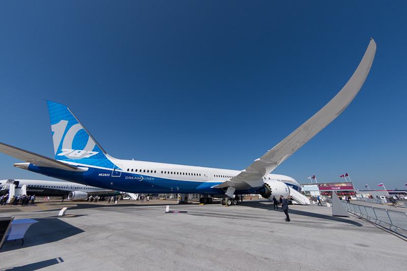 ボーイング 787-10型機
