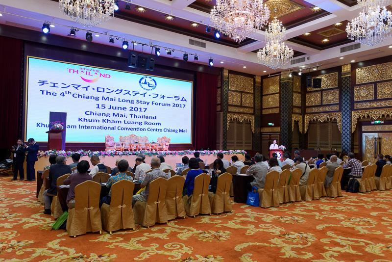 チェンマイの下見ツアーなどで訪れた日本人36人が参加した