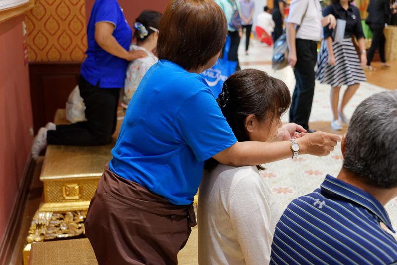 タイの伝統や食文化を体験できるデモも多数。タイ式マッサージを無料で10分程度施術してもらえたりもする