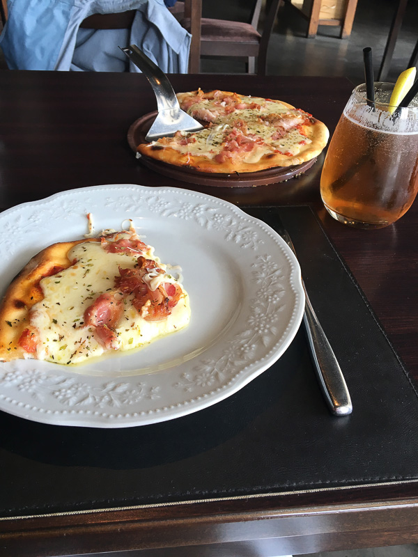 1人でお腹いっぱいのピザ