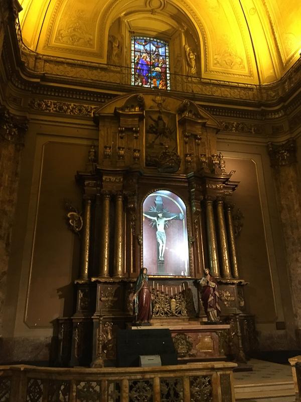装飾の素晴らしいキリストとステンドグラス