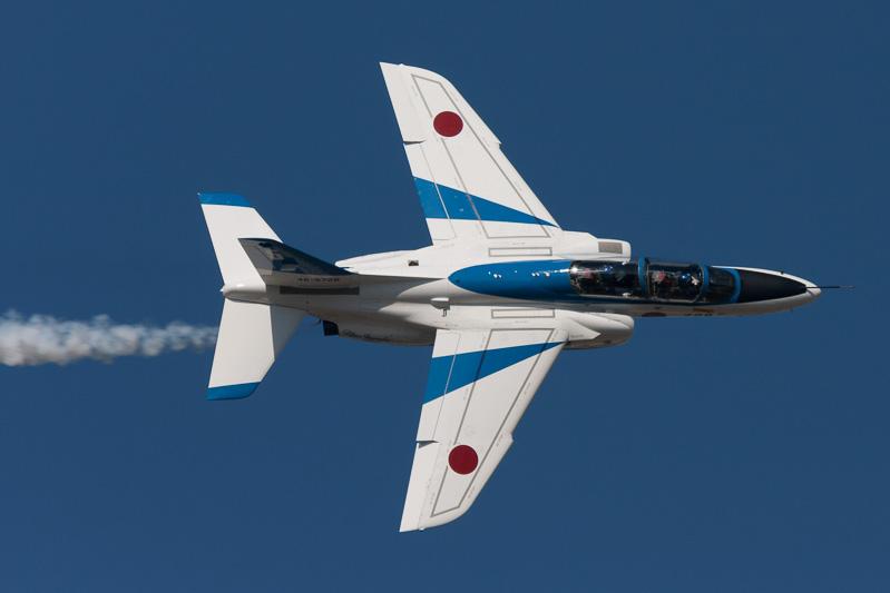 ブルーインパルスのアクロバット飛行は13時40分ウォークダウン開始予定