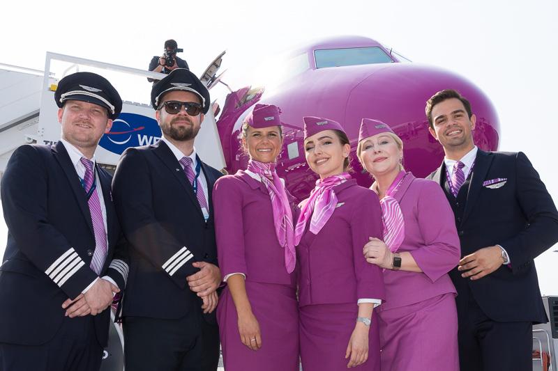 エアバス A321neoの欧州初オペレータとなるWOW airのクルー