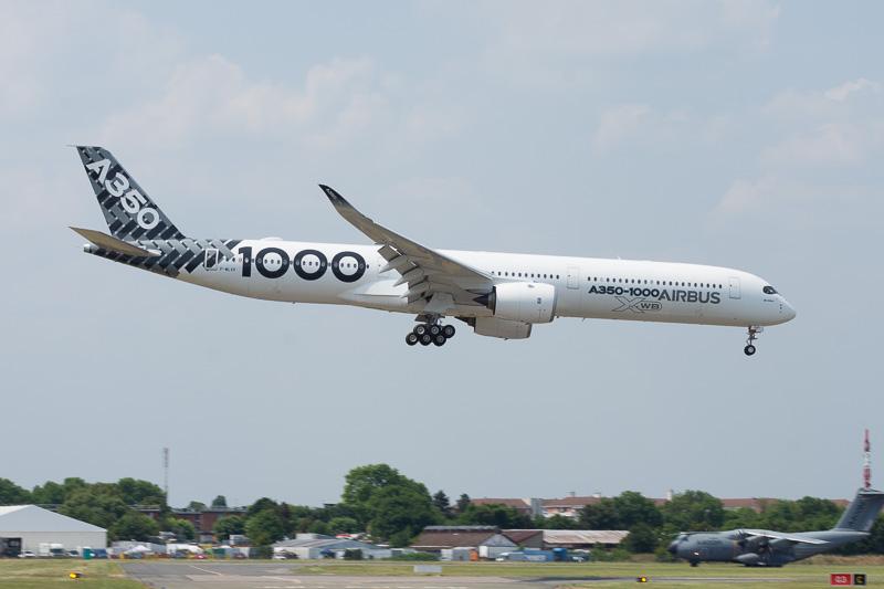 エアバス A350-1000型機の展示飛行