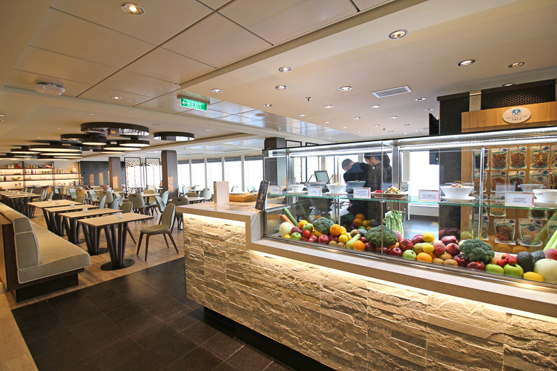 ヘルシーフードに特化した有料レストラン「クリスタルライフキュイジーヌ」