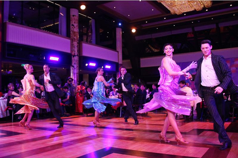 社交ダンスなどのエンタテイメントやチャイナドレスのファッションショー
