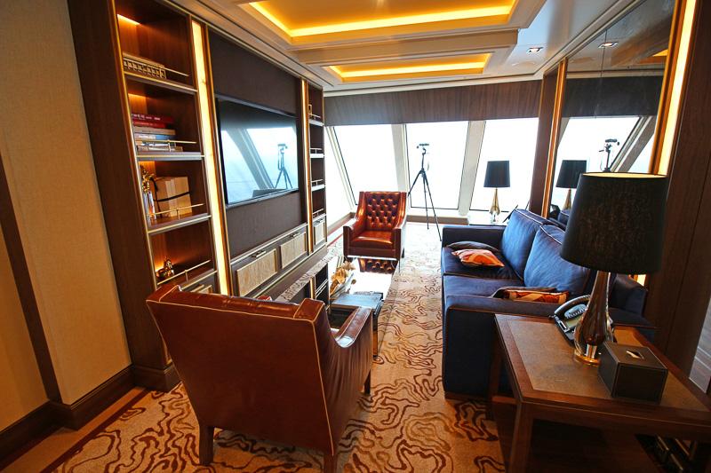 最も豪華な客室「ガーデン ペントハウス」にはピアノも。ベッドルームも2つある