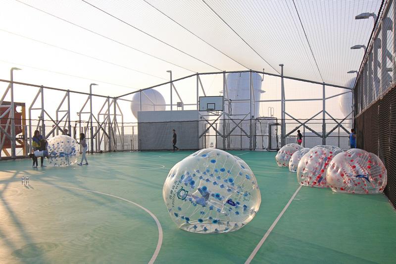 「スポーツプレックス」ではバスケットボールやフットサルのほか、バブルサッカーもできる