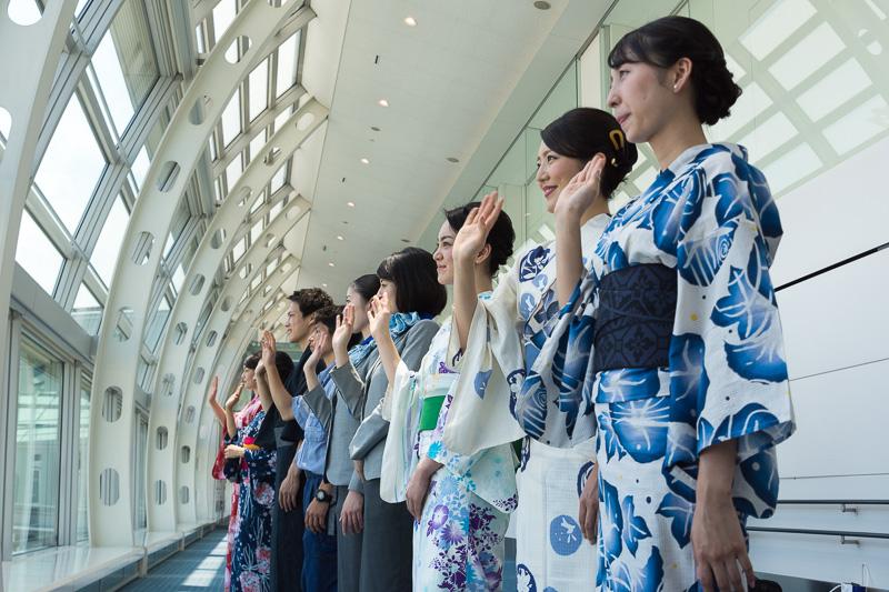 11時8分に出発した那覇行きANA469便。ターミナルからも地上からも見送られて那覇へ旅立った