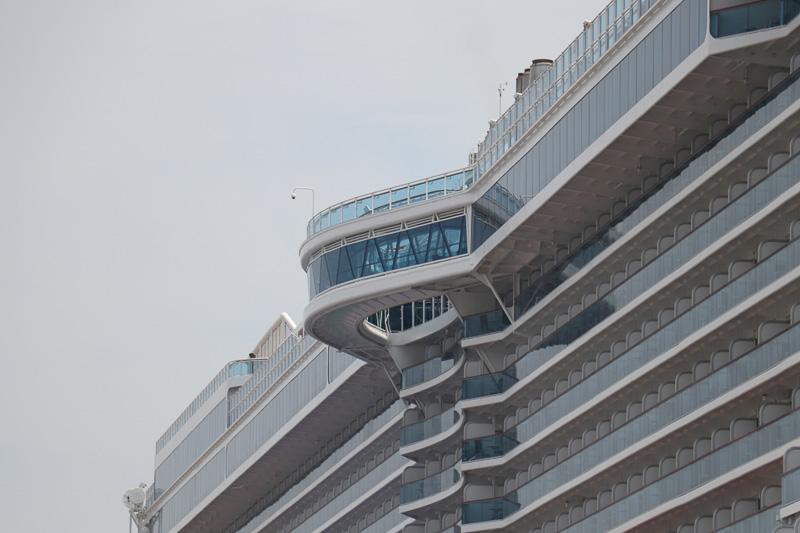 船の外側から見るとこの状態