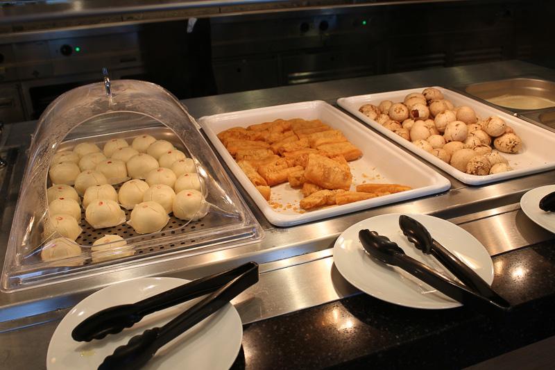 台湾風揚げパンの油條や豆乳の豆漿などもある